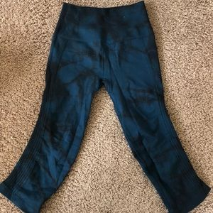 Lululemon cropped tie dye leggings